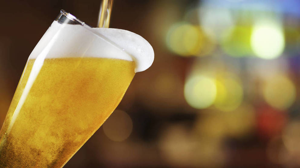 Servir una cerveza